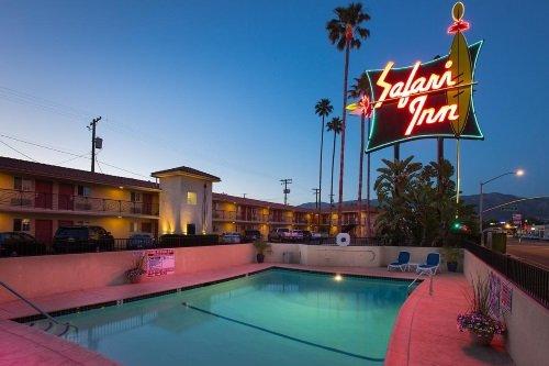 Safari Inn Hotel zwembad