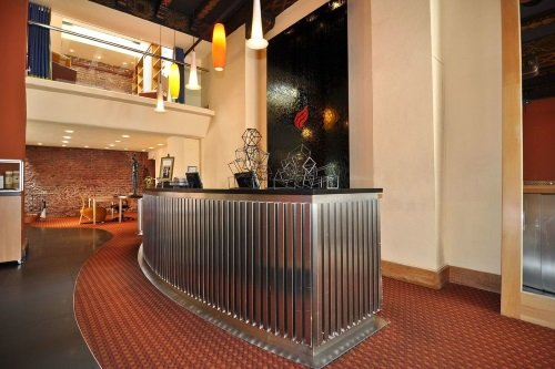 Metropolis Hotel receptie lounge