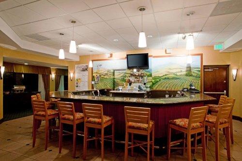 Radisson Hotel Santa Maria bar