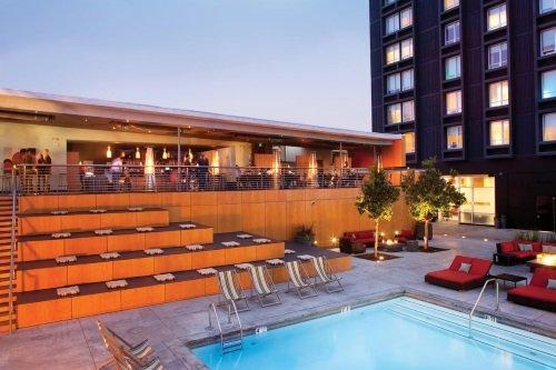 Custom Hotel LAX buitenkant