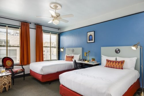 Hotel Carlton kamer met 2 double beds