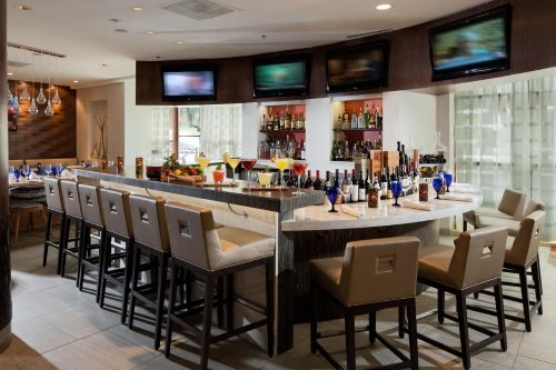Doubletree Washington Silver Spring bar