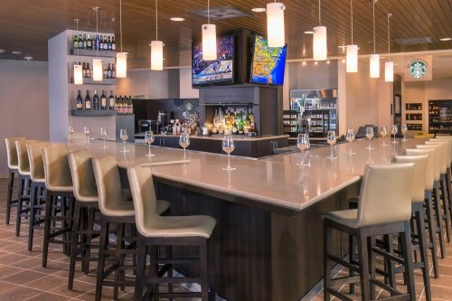 Courtyard by Marriott Washington bar