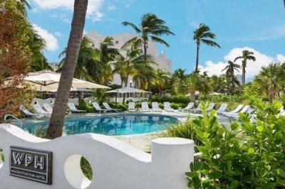 Washington Park Hotel South Beach zwembad met ligstoelen