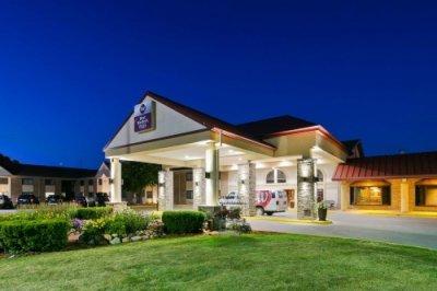 Best Western Plus Ramkota Hotel buitenkant