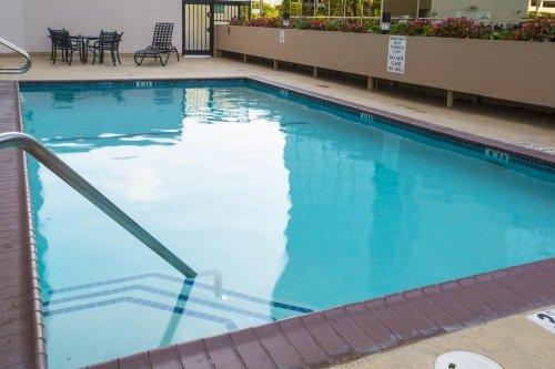 Crowne Plaza LAX zwembad