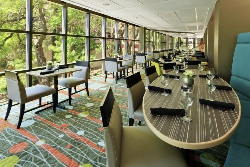 Holiday Inn San Antonio Riverwalk restaurant
