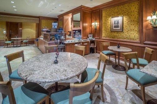 Little America Hotel & Resort ontbijtruimte