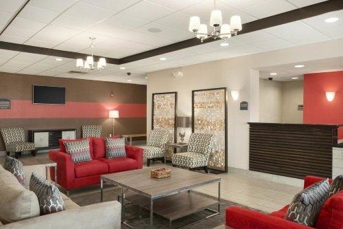 Wyndham Garden Tallahassee Capitol lounge