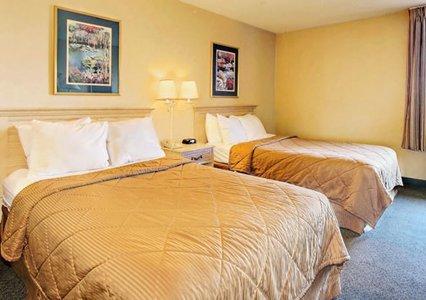 Comfort Inn Alexandria 02.[1]