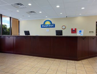 Days Inn Patriot_'s Point 02.[1]