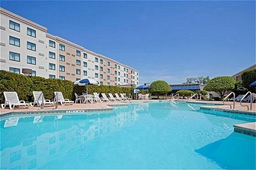 Holiday Inn Hasbrouck Heights  02.[1]