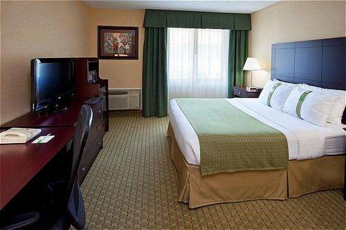 Holiday Inn Hasbrouck Heights  05.[1]