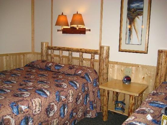 Lake Lodge Cabins 02.[1]