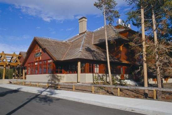 Old Faithful Snow Lodge 02.[1]