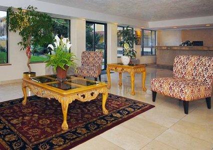Quality Inn & Suites Bakersfield 05.[1]