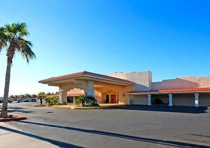 Quality Inn & Suites Lake Havasu 01.[1]