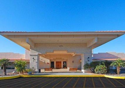 Quality Inn & Suites Lake Havasu 02.[1]