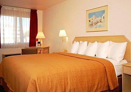 Quality Inn & Suites Lake Havasu 04.[1]