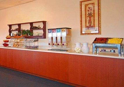 Quality Inn & Suites Lake Havasu 06.[1]
