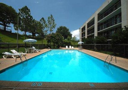 Quality Inn & Suites Vicksburg 04.[1]