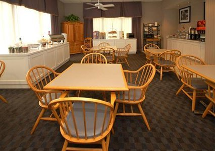 Quality Inn & Suites Vicksburg 07.[1]