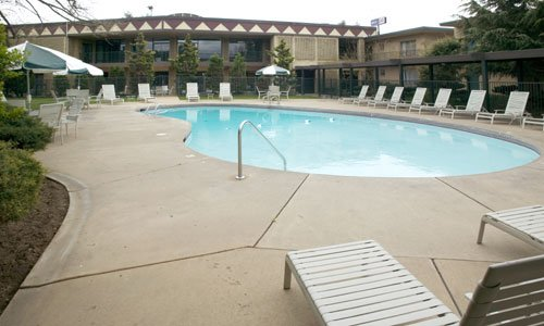 Red Lion Hotel Yakima Center 04.[5]