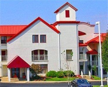 Red Roof Inn Lancaster 01.[1]