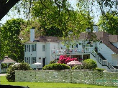 ShoreWay Acres Inn 01